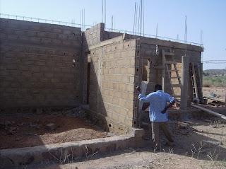 photo la maison du pasteur en construction - Construire Une Maison Au Mali