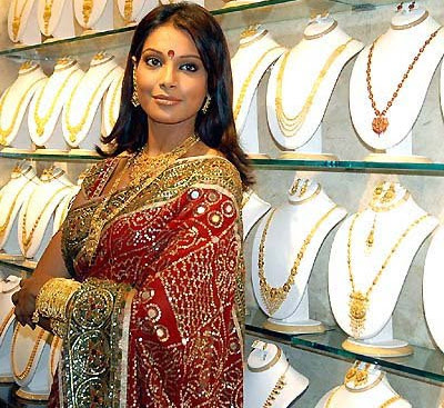 Bipasha Basu Jewellery Endorsement