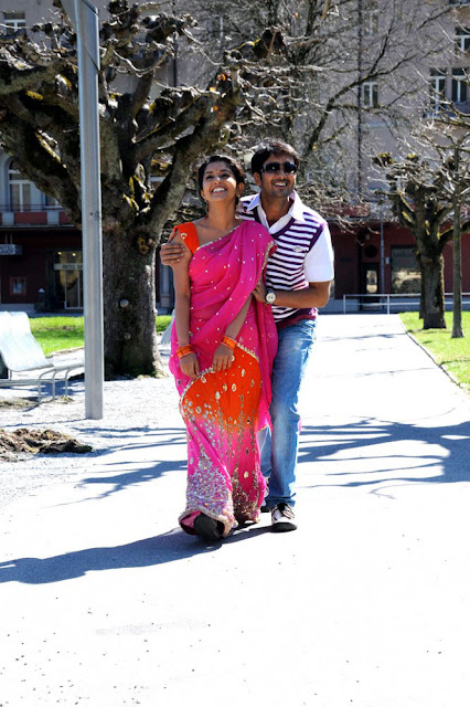 Pen Singam Meera Jasmine and Uday Kiran Stills 2