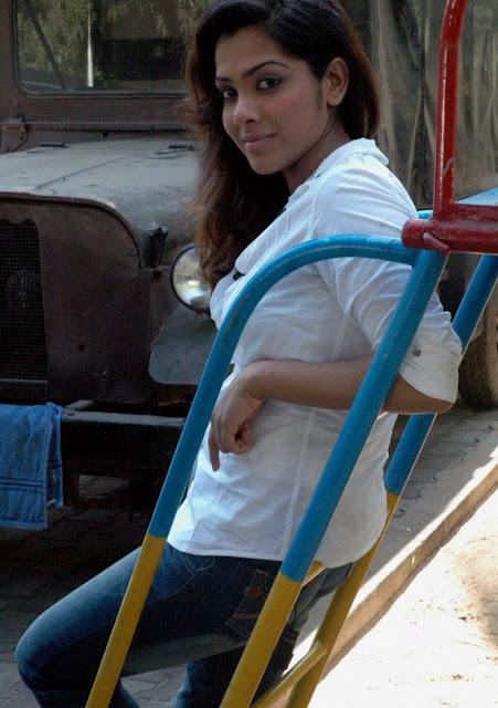 Sandhya Latest Stills 3
