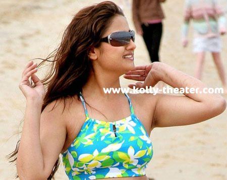 Sonia Agarwal acts in ex-father-in laws film 'Pandiya Perarasu'