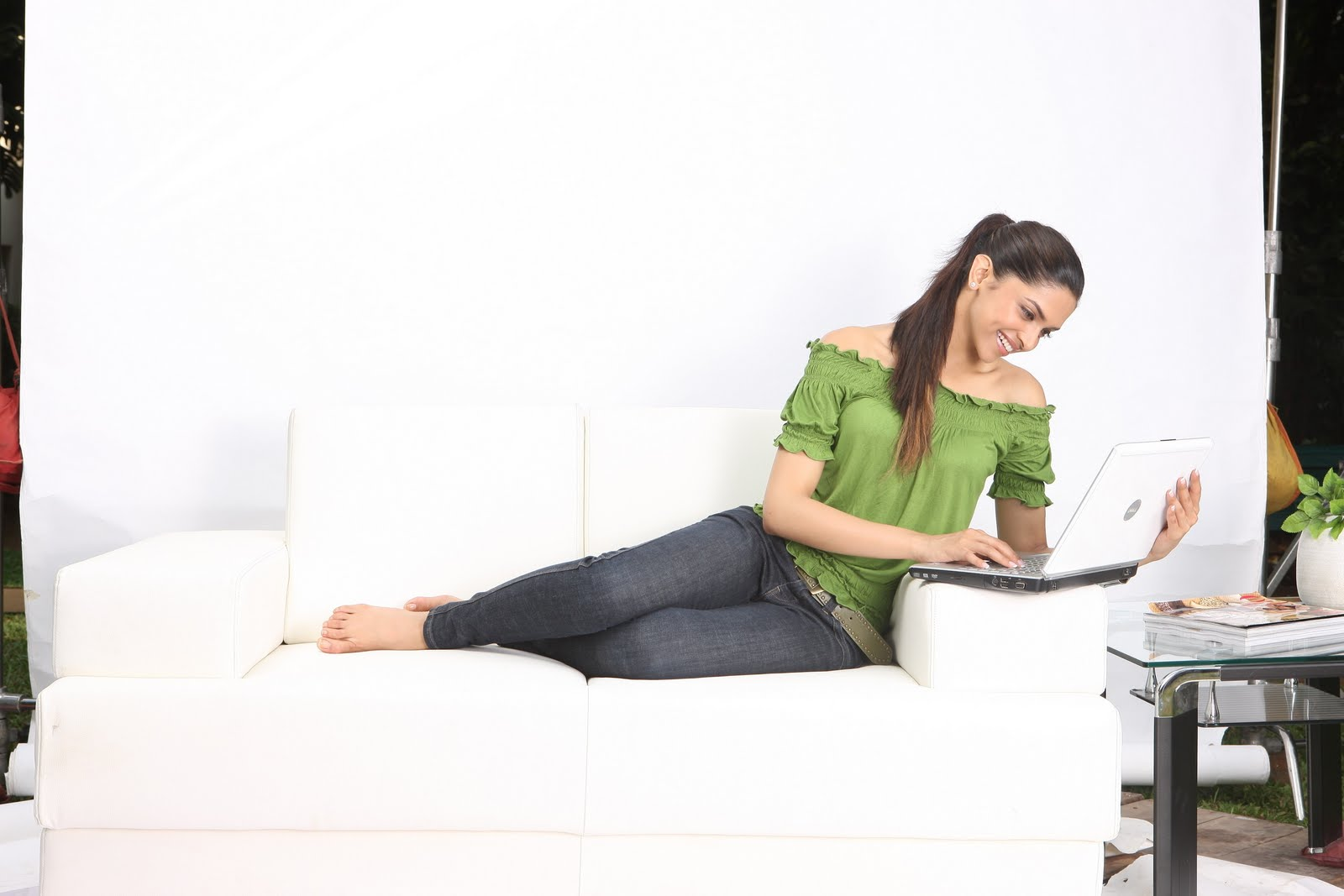 All New Celebrity: Deepika Padukone Feet
