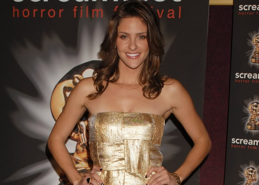 how tall is jill wagner
