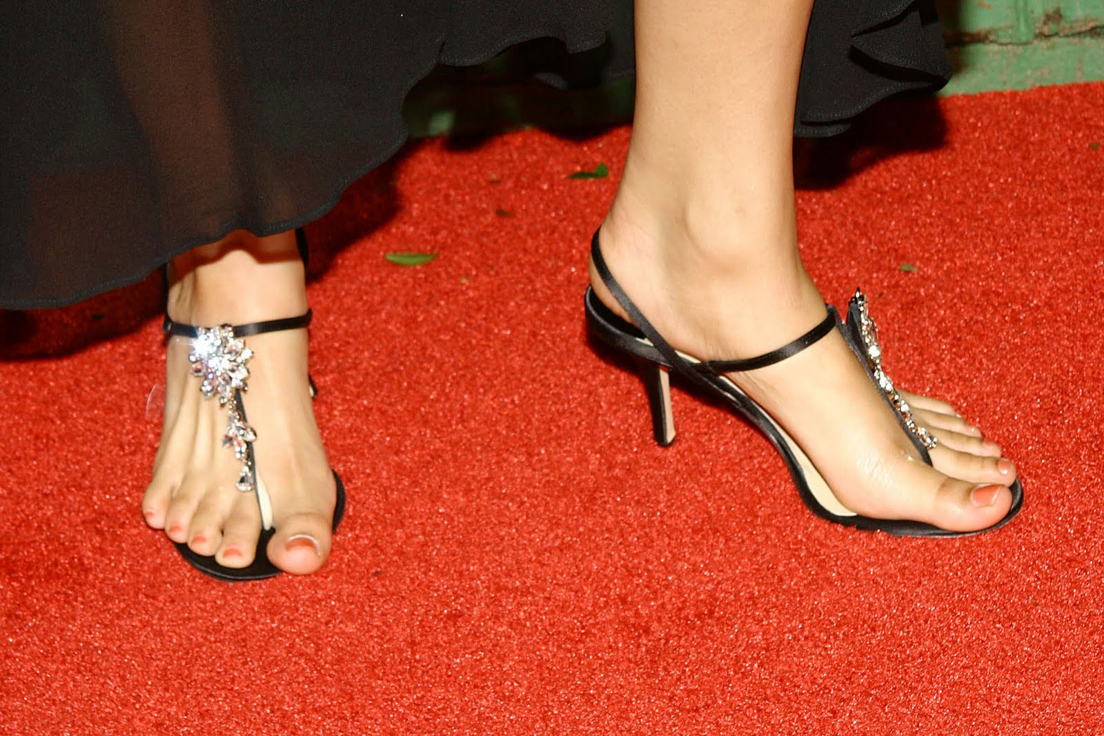 Jennifer lopez toes