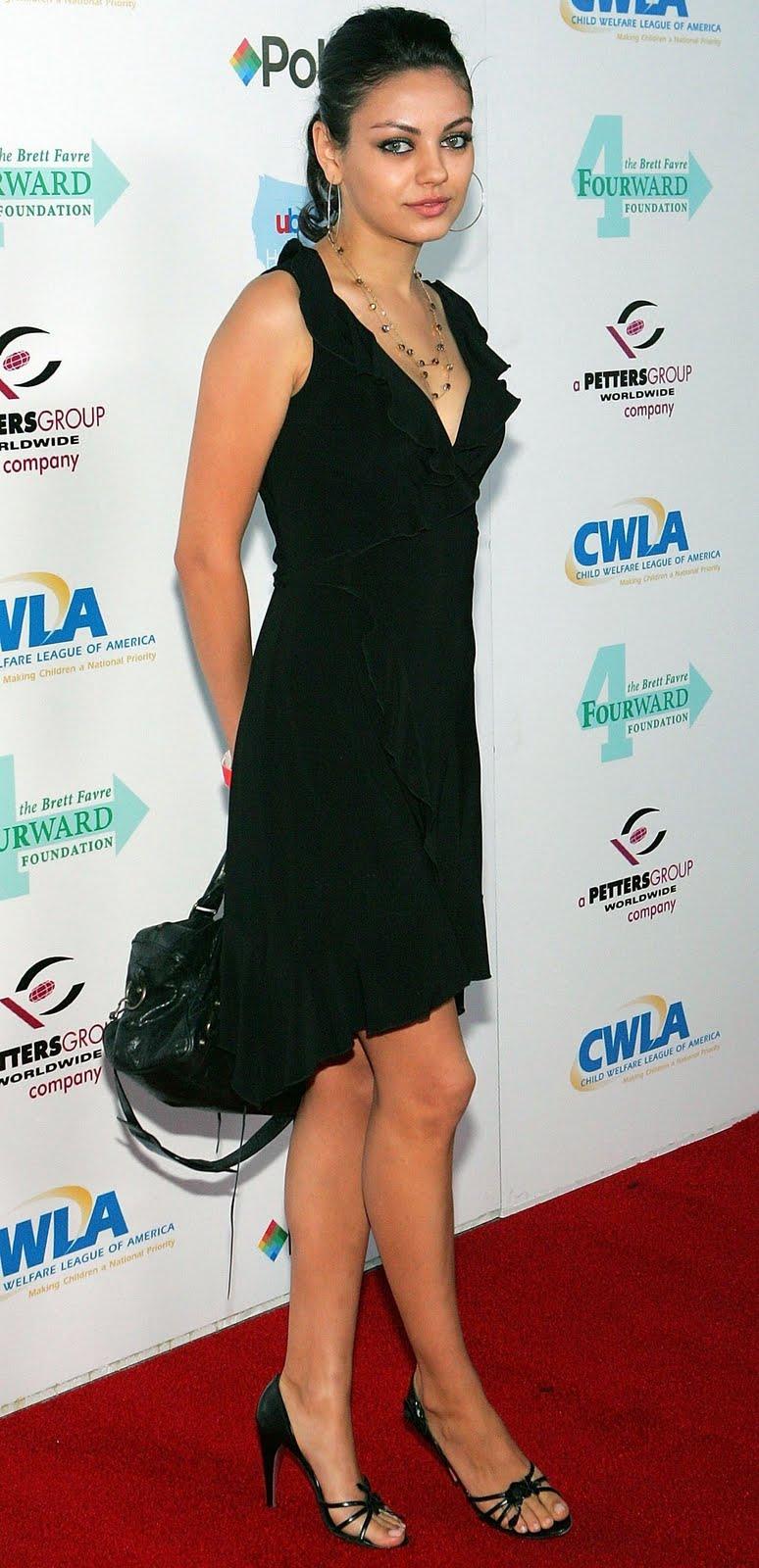 Mila Kunis Sexy Legs