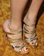 Taylor Swift Feet Kimchi-breakfast
