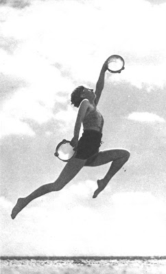 thanetonline: Broadstairs beach, the tambourine dancer and ...