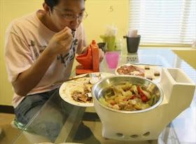 Coba Makan di Restoran Toilet