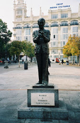 Estatua en homenaje a García Lorca
