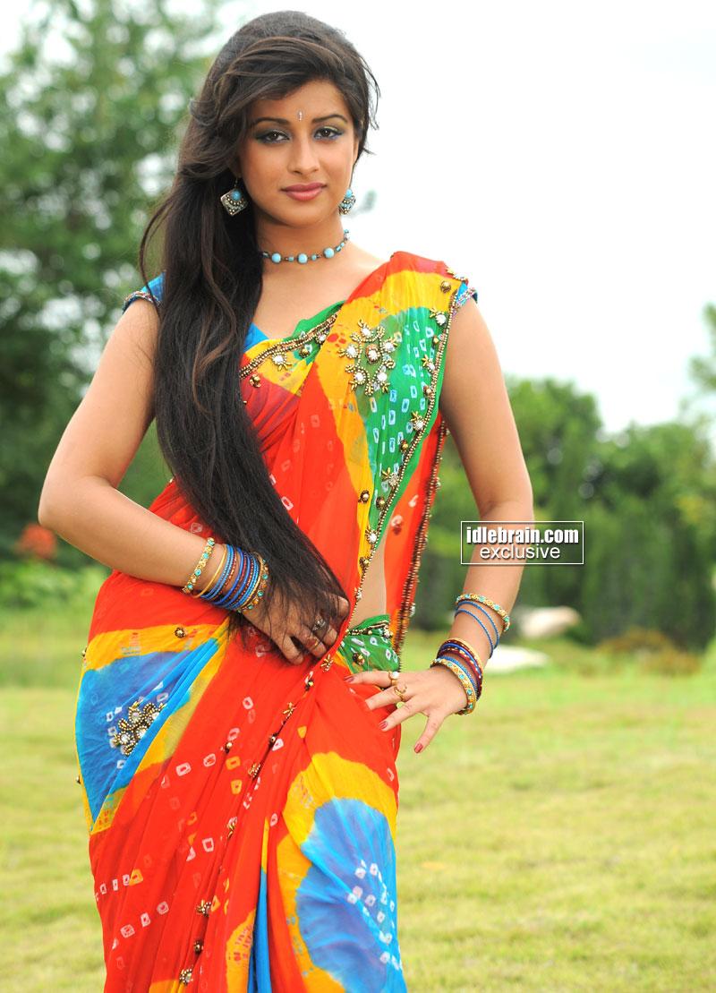 hot saree stills of madhurima