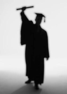 ๑۩۞۩๑ ☃دعواتنا لكي غاليتي بنت graduate.jpg
