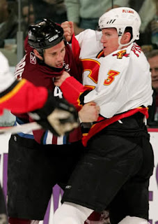 Ian Laperriere vs Dion Phaneuf