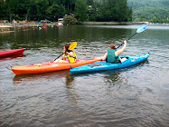 Jayme and Katie kayaking
