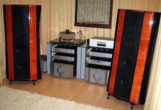 High End Loudspeakers: Sonus Faber Stradivari Homage
