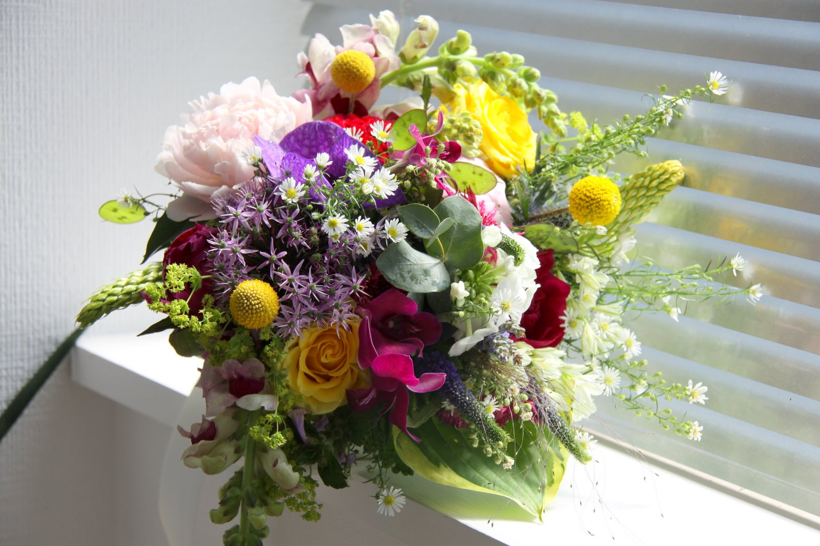 the flower magician vintage hippy wedding bouquet. Black Bedroom Furniture Sets. Home Design Ideas