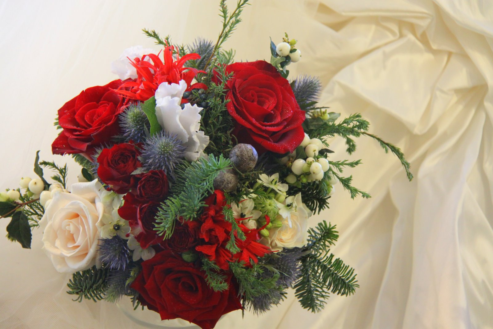 the flower magician christmas wedding bouquet. Black Bedroom Furniture Sets. Home Design Ideas