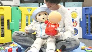 Baby Robot mimics human infant behavior