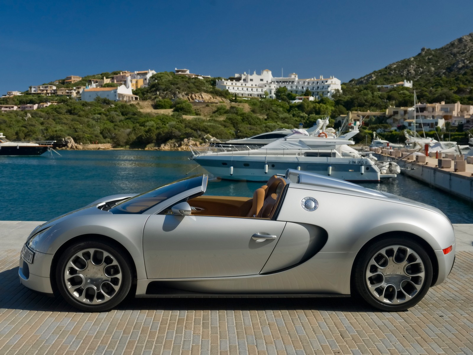 Wallpaper Bugatti Veyron Grand Sport: 2010 BUGATTI VEYRON GRAND SPORT WALLPAPER : Free Car