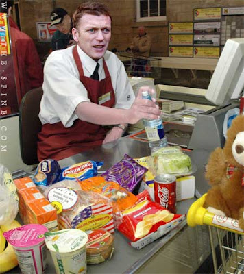 Davey Moyes on the checkout, via the Spine