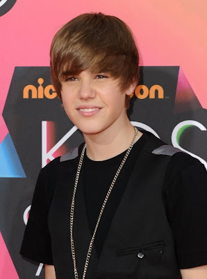 coiffure de justin bieber. Black Bedroom Furniture Sets. Home Design Ideas