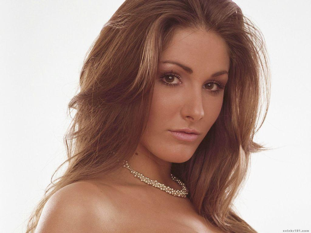 Lucy Pinder Wallpapers Hot Girl in Bra and Without Clothes