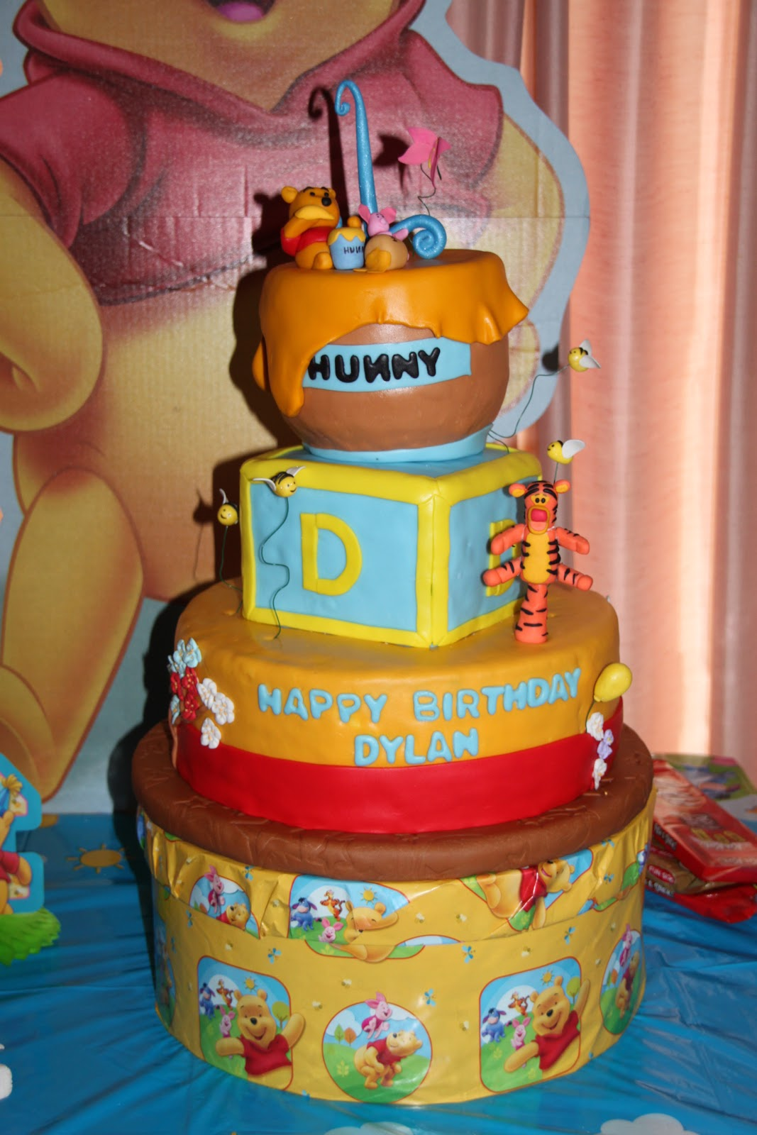 One Of My Close Girlfriends Son Was Turning 1 And She Asked Me To Build Her A Winnie The Pooh Cake For Sons Brithday Wanted Tall