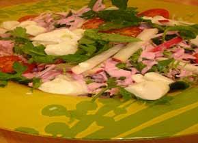 Pembe Soslu Ocak Salatası Tarifi-Pembe Soslu Ocak Salatası Yapılışı (resimli)
