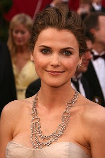 Keri Russell with her fashion accessories