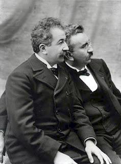 Auguste (izquierda) y Louis Lumière.