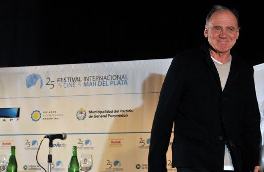 Bruno Ganz durante la charla con el público en Mar del Plata
