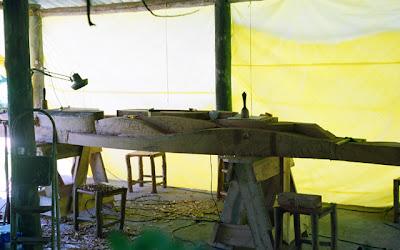 execução painel escultórico