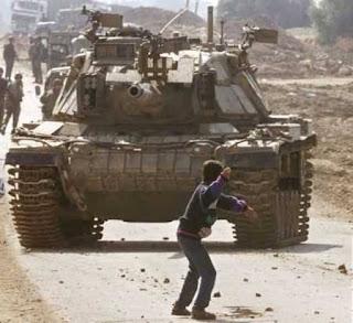 Pedras contra tanques