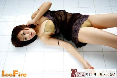 Arisa Taki Japanese Gravure Sexy Idol Big Breast