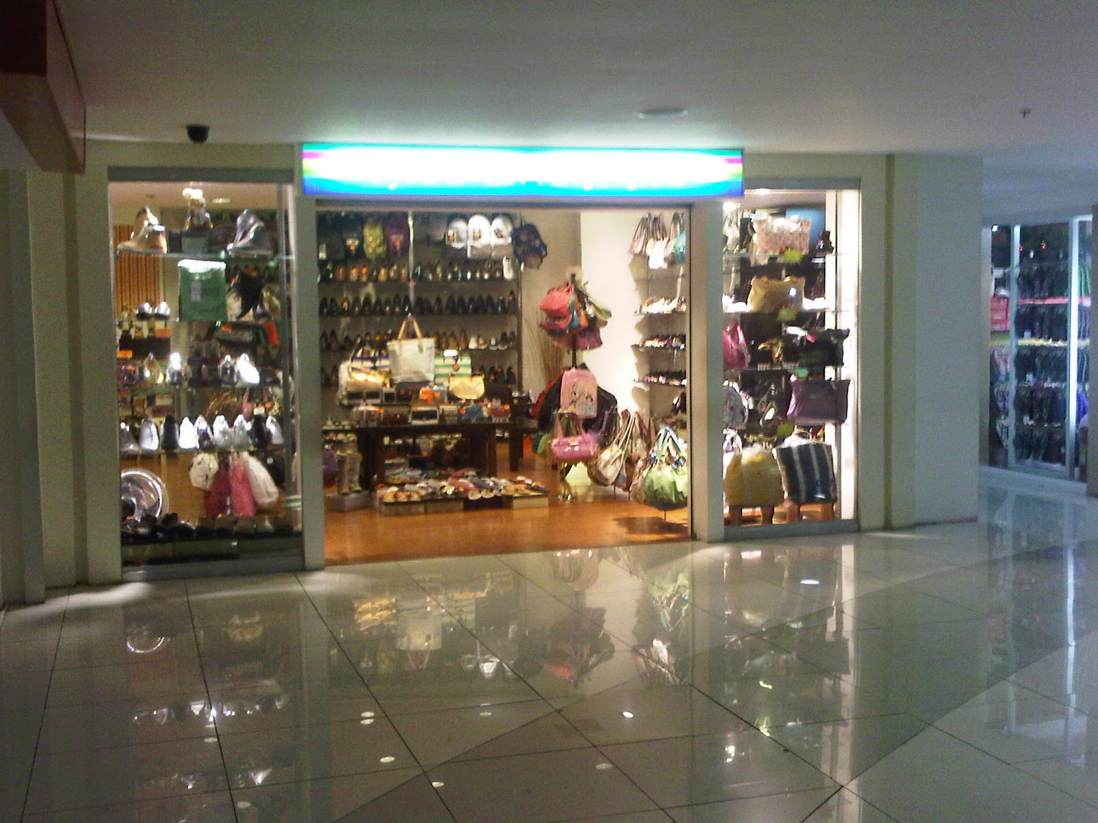Manila Shopper: Crocs, Adidas, Puma Outlet Stores and Shoe ... - photo#9