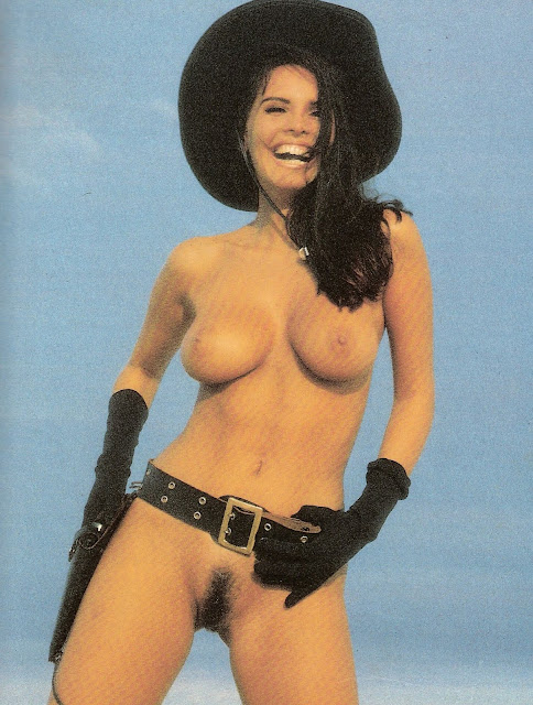 Cristina Mortagua pelada