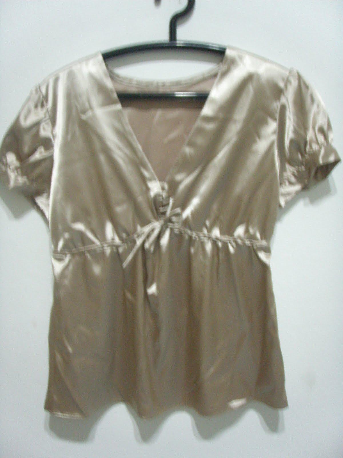4836e942a Senhorita Chic: Blusa em Cetim Dourada