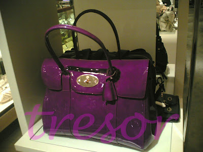 632b1cc54d5f Kate Moss is a loyal fan of this particular style of Mulberry too. I ve seen  the Bayswater on her a few times already– she never seems to tire of the bag !