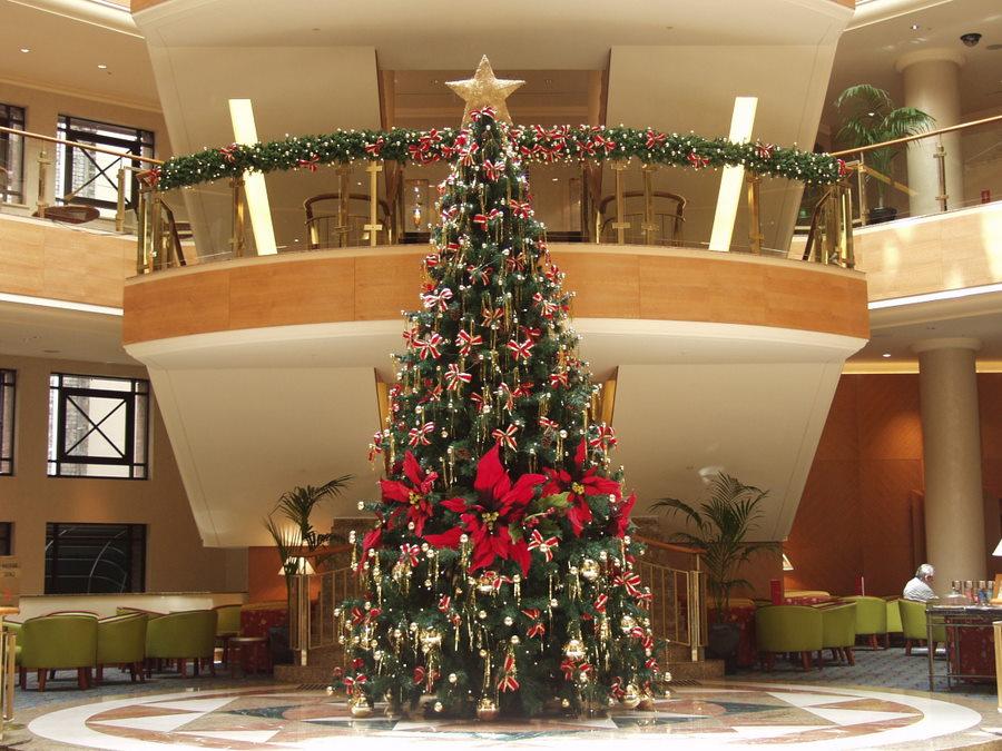 [Marriott+Christmas+tree+]