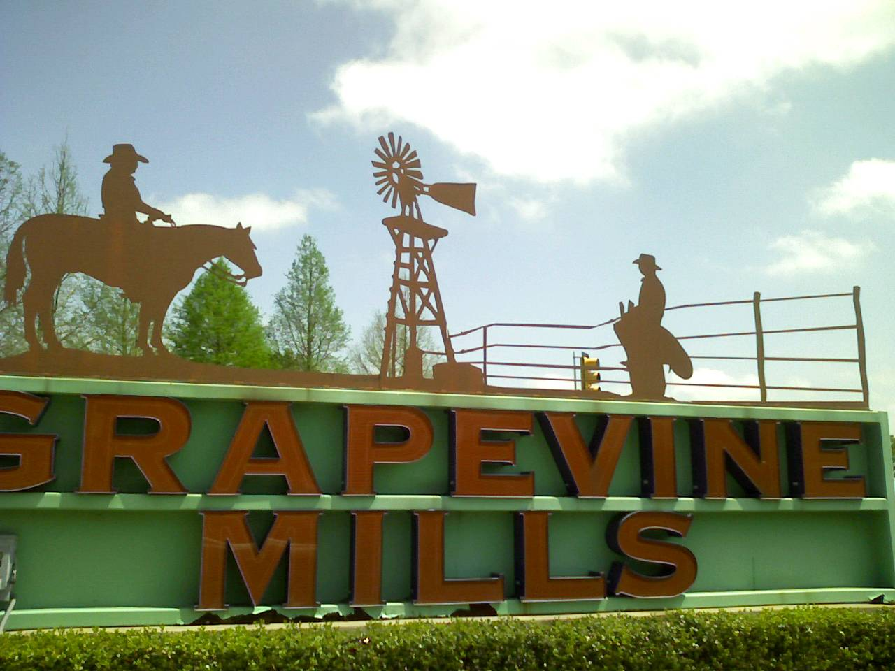 [grapevine+mills+sign]