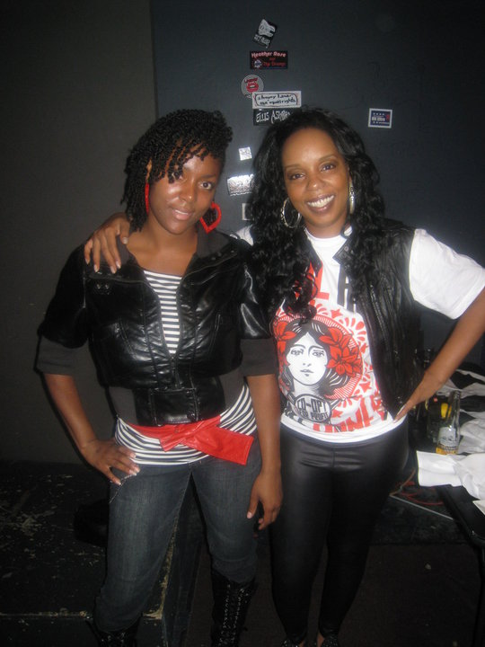 Rah Digga wearing the Steal Art Make Money tee.