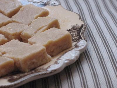 Cinnamon White Chocolate Fudge | Sugarlaws