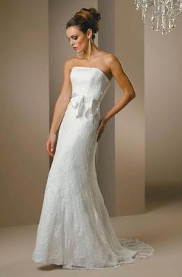 6341e7aa11fc Wedding Dress: Elegant Wedding Dress For Petite Brides