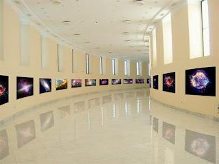 Exhibición 'De la Tierra al Universo'