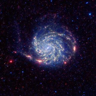 M101 vista por Spitzer