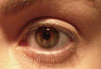 Le maquillage des yeux dans astuce