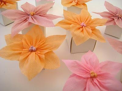 Como hacer flores de papel crepe cositasconmesh - Como se hacen flores de papel ...