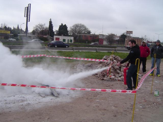 Capacitacion practica de Uso de extintores