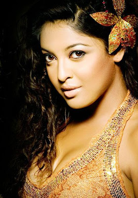 Tanushree Dutta HoT and Sizzling Photos