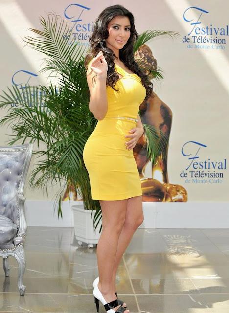Kim in Yellow ( SexY PicS )
