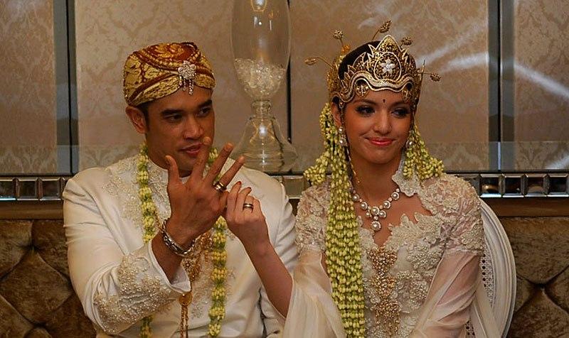 nur ramadhani bo...Nia Ramadhani Wedding